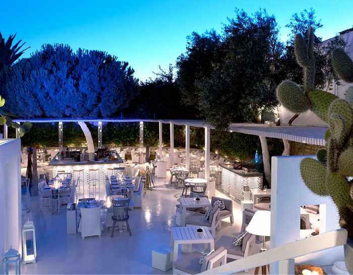 Interni restaurant Mykonos dining terrace photo from the Interni website