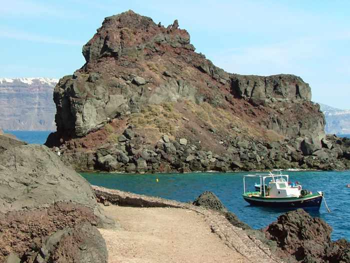 approaching Agios Nikolaos island