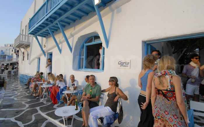 Caprice Bar Mykonos photo from inmykonos dot com website