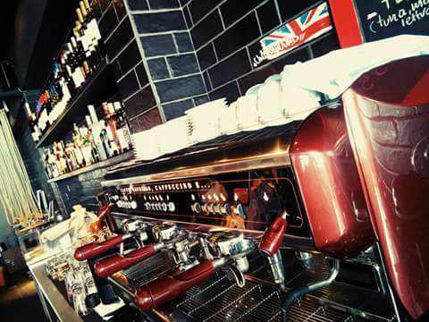 Coffee bar at D'Angelo Refresh Vitamin Bar Mykonos