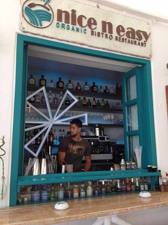 Nice n Easy Mykonos bar photo from the restaurant's Facebook page