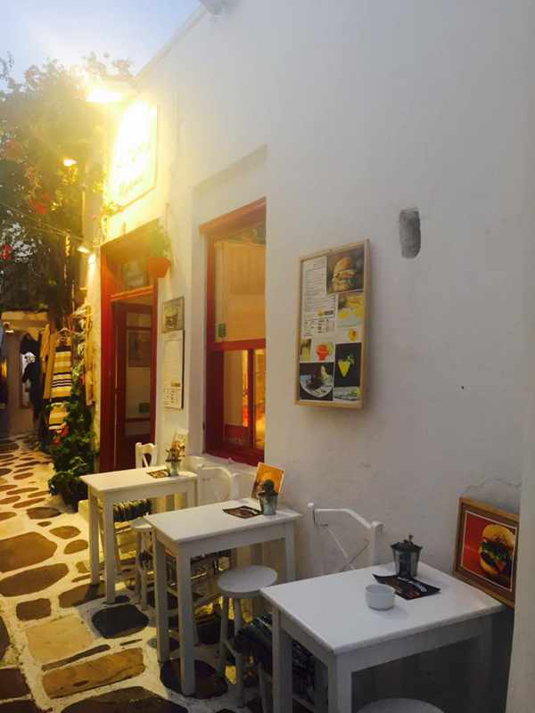 Yo Homie burger bar Mykonos photo 06 from the restaurant's Facebook page