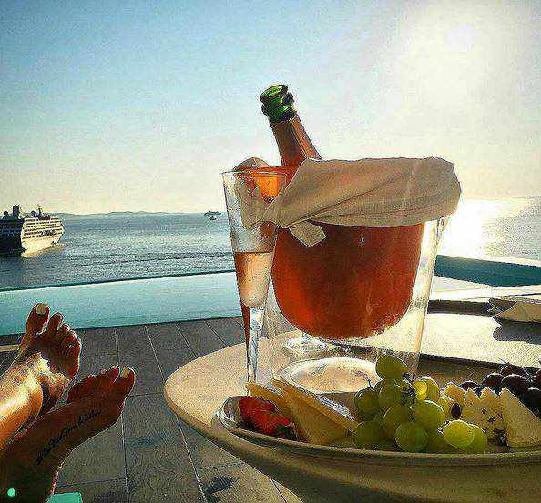 champagne photo 02 from Kouros Hotel & Suites Mykonos Facebook page