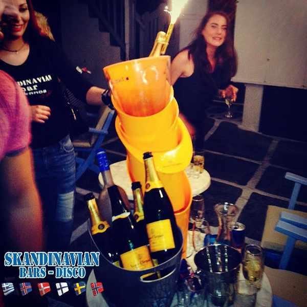 Skandinavian Bar Mykonos champagne photo