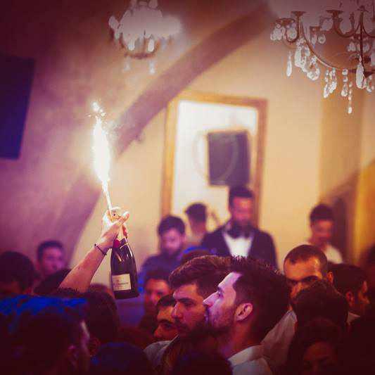Guzel Stage Club Mykonos champagne photo