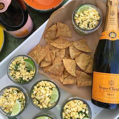 Bubbles Champagne Gallery in Mykonos