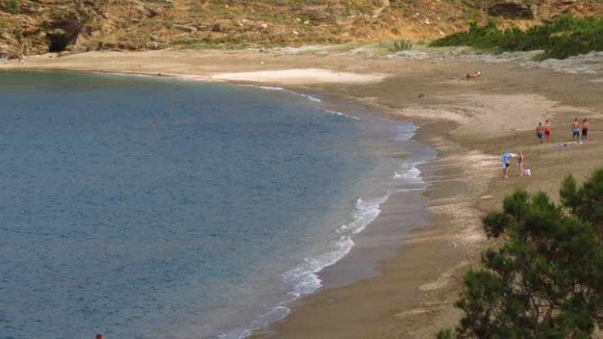 Paraporti beach at Andros Town