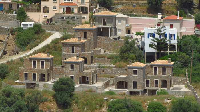 houses in Stenies