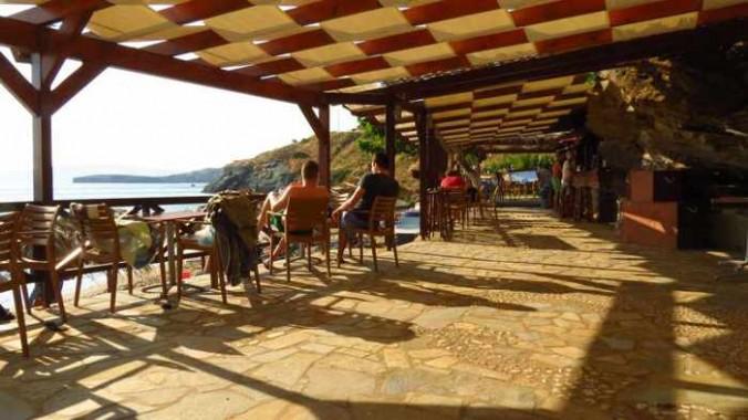 Aneroussa Beach Hotel beach bar