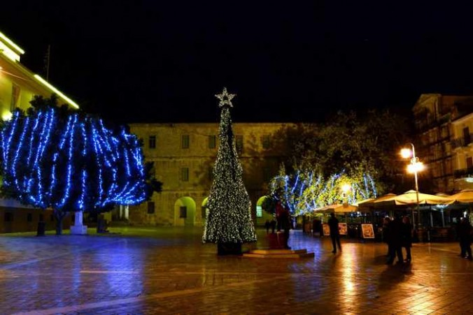 Takis Vassiliou photo of Christmas lights in Nafplio