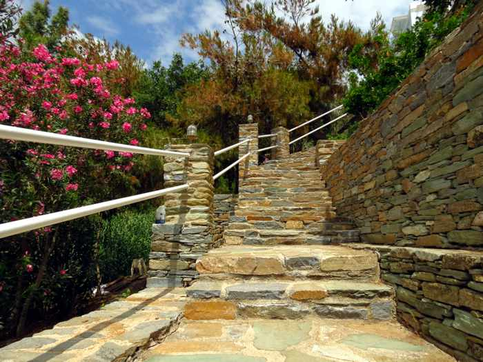 steps from beach to hotel