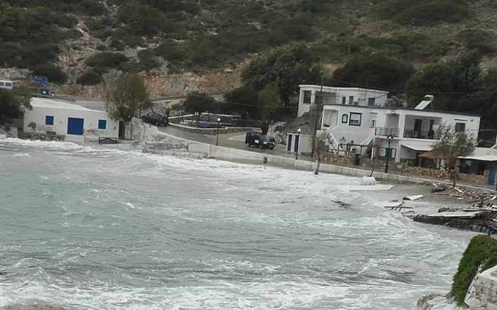 Waves at Agathonisi island