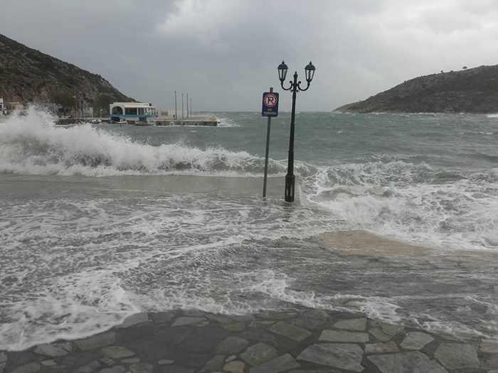 Dimitra Kottorou photo of waves at Agathonisi