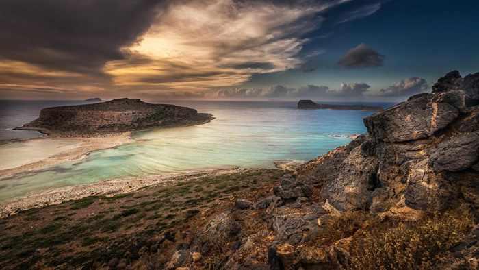 Balos sunset photo from Mantinades blog