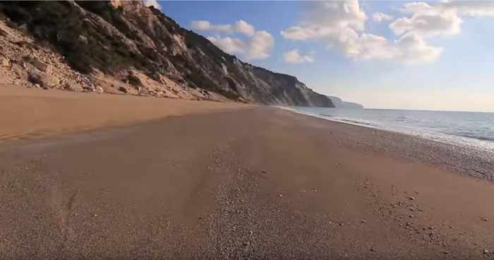 Gialos beach Lefkada screen capture 01 from TeaTimeCreations video