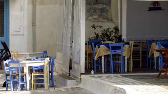Mezedopoleio O Nonas at Andros Town
