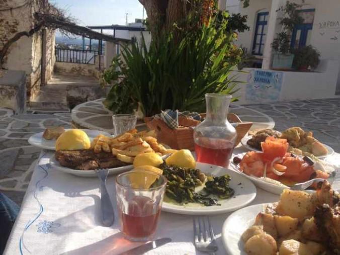 Haroula taverna at Marpissa on Paros
