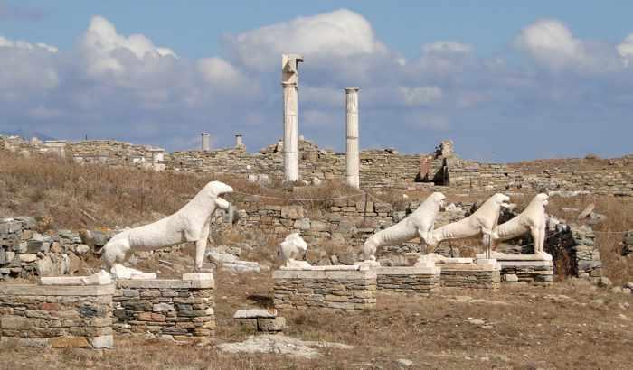 Delos Terrace of the Lions photo by Bernard Gagnon