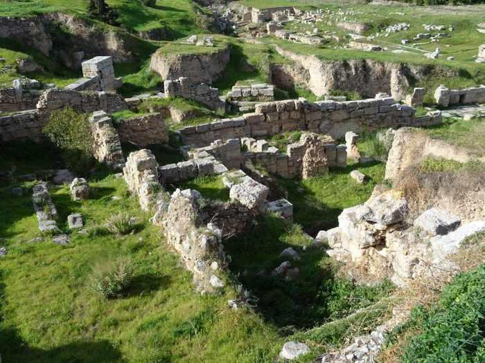 Sally Harper photo of ruins at Ancient Corinth