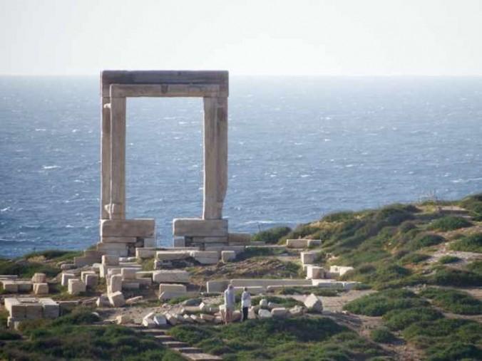 Mike Andrew photo of the Portara on Naxos