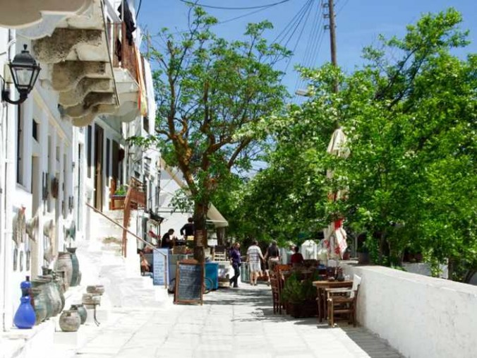 Mike Andrew photo of a street in Apiranthos on Naxos
