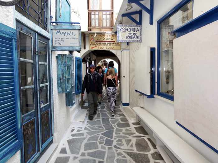 Mike Andrew photo of a street in Naxos Town