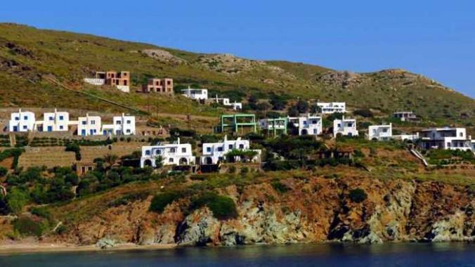 houses above Gavrio Bay