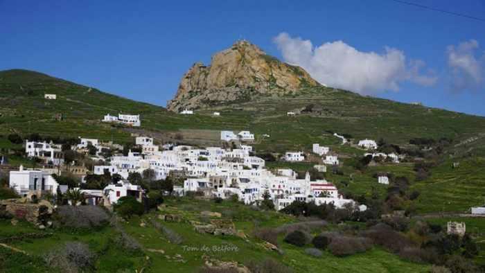 Tom DeBelfore photo of Tripotamos village on Tinos island