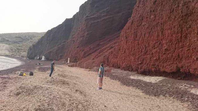 Red Beach Santorini photo by 余美華