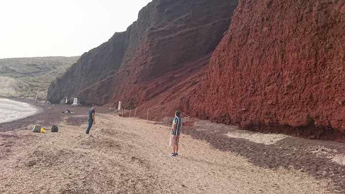 Red Beach Santorini photo by 余美華