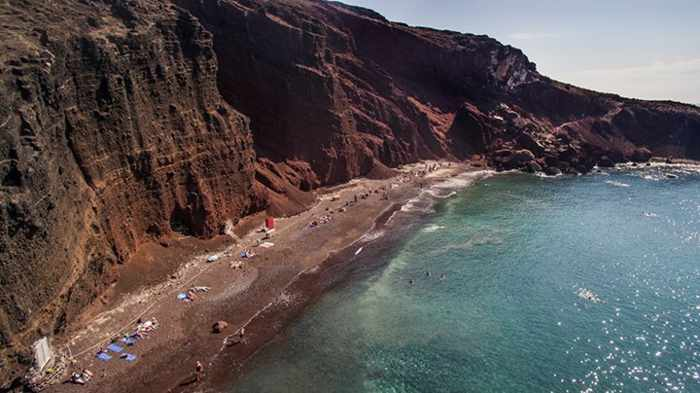 Red Beach Santorini photo by Sunset Oia Sailing Cruises Santorini