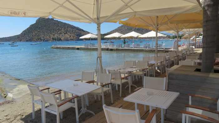 Gorilla Bar at Tolo beach
