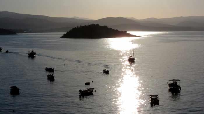 sunshine on Tolo bay