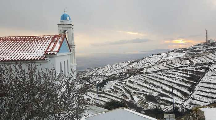 A church in Arnados village on Tinos