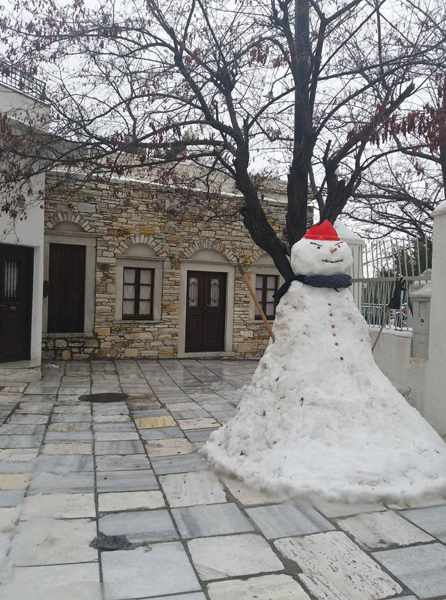 a snowman in Apeiranthos village on Naxos