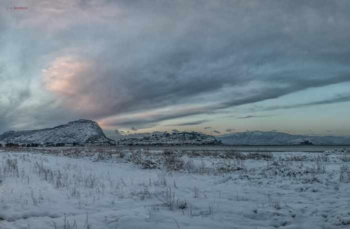 Snow at Nafplio photo by Thanos Komninos