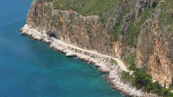 the Arvanitia promenade