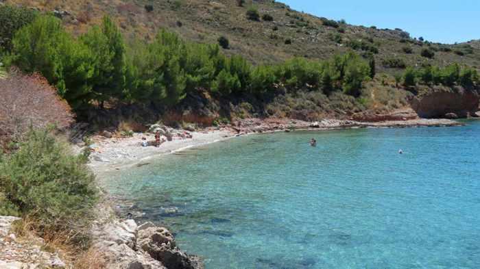 Neraki beach