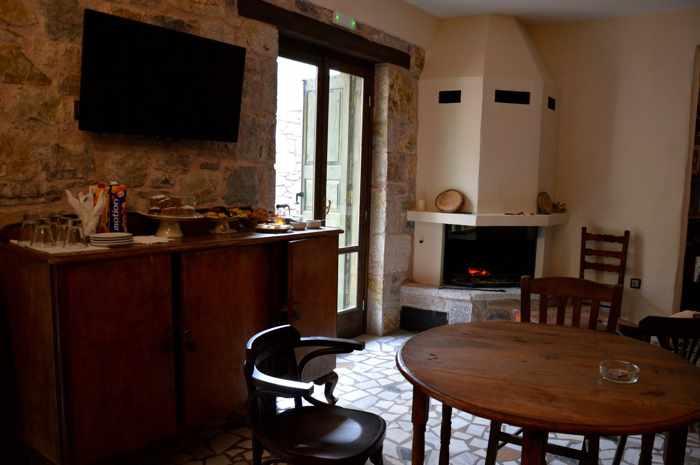 Messana Hotel breakfast room