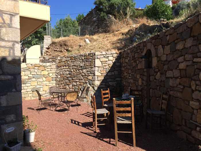 Messana Hotel courtyard