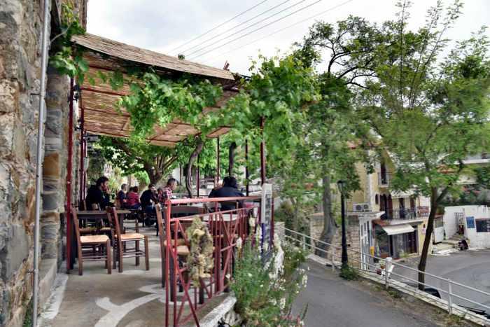To Kafeneio cafe in Mavromati