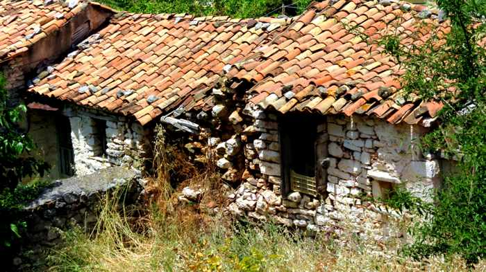 a crumbling old house