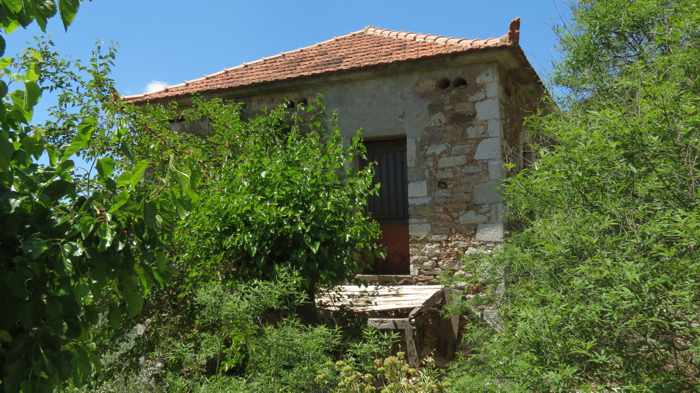 an old house in Mavromati