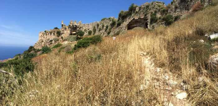 Trail to the castle of Navarino
