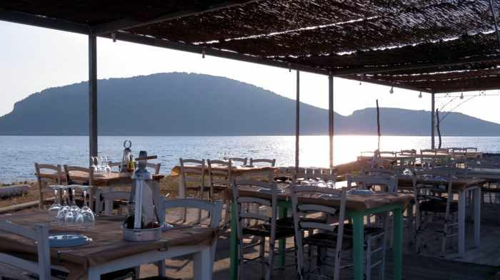 Seaside taverna at Marathopoli