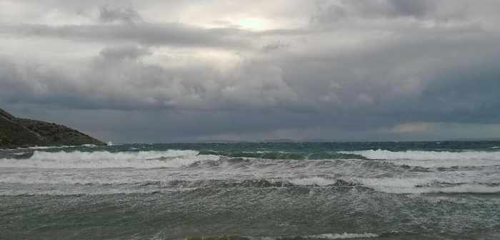 Galissas beach during a winter storm