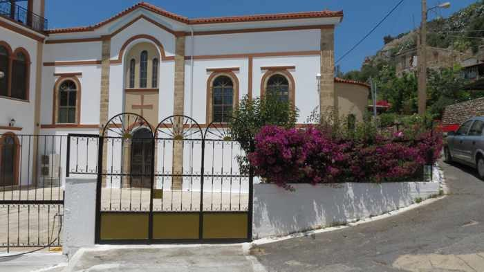 a church in Kyparissia