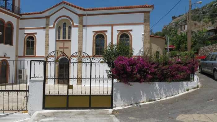 a church in Kyparissia
