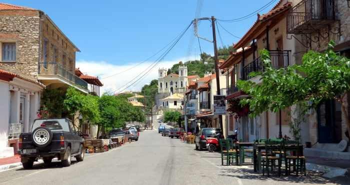 Eleni Xameri street in Kyparissia