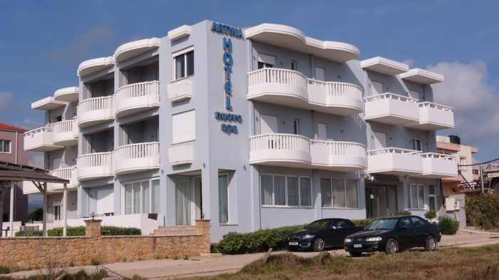 Artina Hotel Nuovo in Marathopoli
